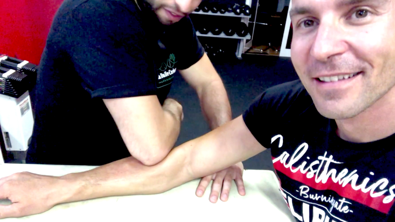epitrocleite-massaggio