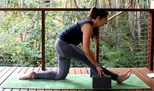 posa yoga mezza spaccata