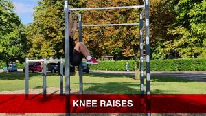 knee raises addominali alla sbarra