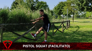 pistol squat facilitato