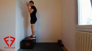 esercizi glutei e braccia
